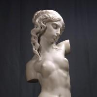 105_kupit_skulpturu_tors_romanticheskij_mramor_2011_skulptor_Vasilij_Korchevoj
